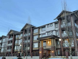 "Photo 1: 172 20170 FRASER Highway in Langley: Langley City Condo for sale in ""Paddington Station"" : MLS®# R2532796"