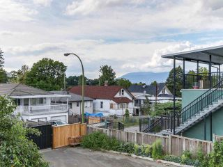"""Photo 8: 4281 VICTORIA Drive in Vancouver: Victoria VE House for sale in """"CEDAR COTTAGE"""" (Vancouver East)  : MLS®# R2151080"""