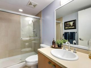 """Photo 14: 2774 ALMA Street in Vancouver: Kitsilano Townhouse for sale in """"Twenty On The Park"""" (Vancouver West)  : MLS®# R2501470"""