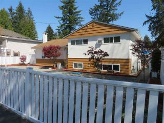 Photo 3: 3370 RALEIGH Street in Port Coquitlam: Woodland Acres PQ House for sale : MLS®# R2573941