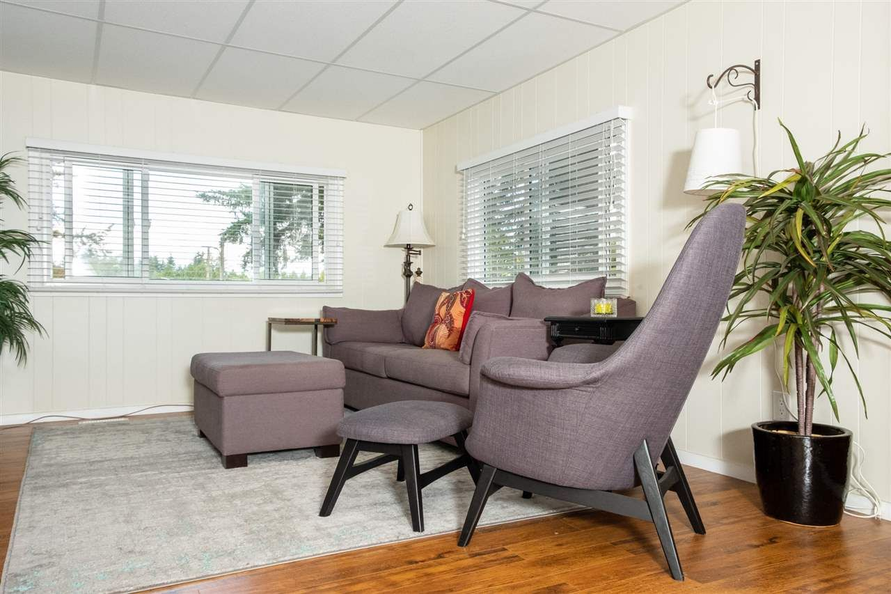 """Main Photo: 13 24330 FRASER Highway in Langley: Otter District Manufactured Home for sale in """"LANGLEY GROVE ESTATES"""" : MLS®# R2305095"""