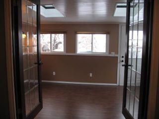 Photo 3: 884 LYSANDER Drive SE in CALGARY: Lynnwood_Riverglen Residential Detached Single Family for sale (Calgary)  : MLS®# C3591766