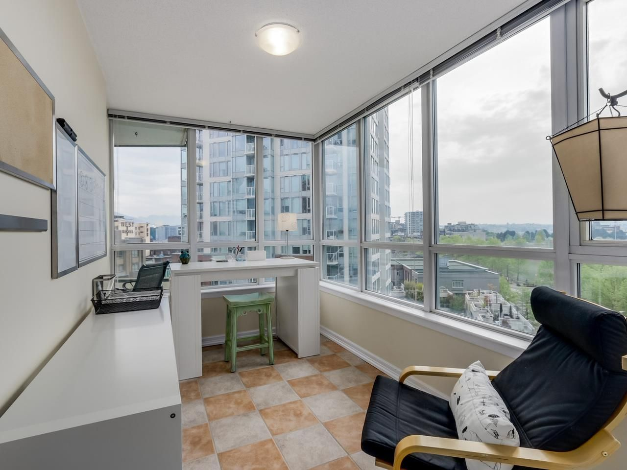 """Photo 7: Photos: 808 63 KEEFER Place in Vancouver: Downtown VW Condo for sale in """"Europa"""" (Vancouver West)  : MLS®# R2061272"""