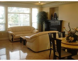 """Photo 5: 35 HOLDOM Avenue in Burnaby: Capitol Hill BN House for sale in """"CAPITOL HILL"""" (Burnaby North)  : MLS®# V756730"""