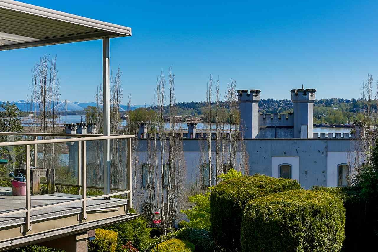 Main Photo: 303 70 RICHMOND STREET in New Westminster: Fraserview NW Condo for sale : MLS®# R2571621