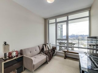 "Photo 15: 1210 2008 ROSSER Avenue in Burnaby: Brentwood Park Condo for sale in ""SOLO Stratus"" (Burnaby North)  : MLS®# R2563283"