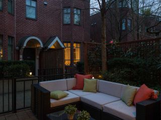 Photo 5: 830 West 6th Avenue in Vancouver: Fairview VW Townhouse for sale (Vancouver West)  : MLS®# R2444950