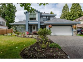 Photo 1: 21093 43 Avenue in Langley: Brookswood Langley House for sale : MLS®# R2088477