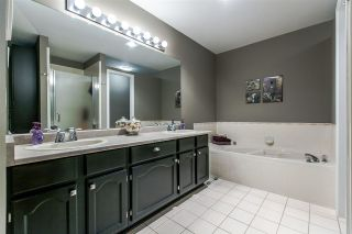 """Photo 12: 29 21138 88 Avenue in Langley: Walnut Grove Townhouse for sale in """"Spencer Green"""" : MLS®# R2013279"""