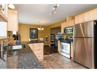 Photo 12: 15658 BROOME Road in Surrey: King George Corridor House for sale (South Surrey White Rock)  : MLS®# R2376769