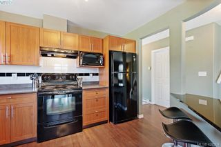 Photo 3: 305 908 Brock Ave in VICTORIA: La Langford Proper Row/Townhouse for sale (Langford)  : MLS®# 839718