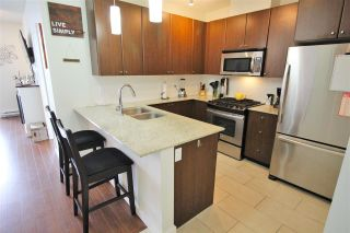 """Photo 5: 2003 280 ROSS Drive in New Westminster: Fraserview NW Condo for sale in """"THE CARLYLE"""" : MLS®# R2278422"""