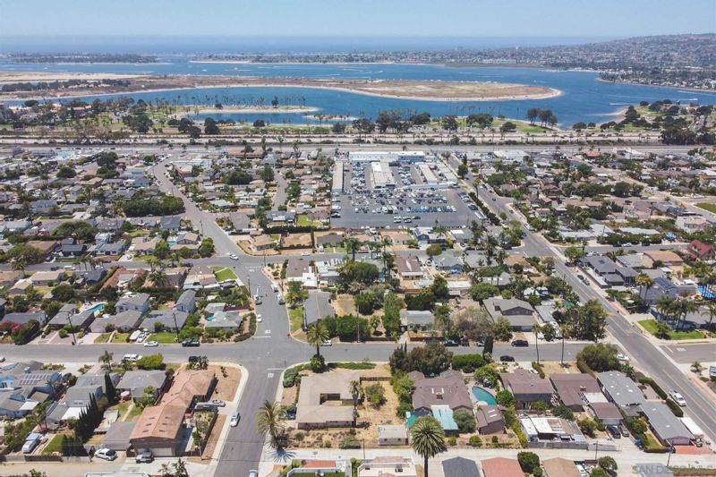 FEATURED LISTING: 2107 Frankfort St San Diego