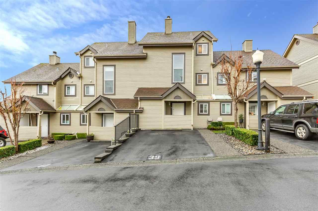 """Main Photo: 39 2736 ATLIN Place in Coquitlam: Coquitlam East Townhouse for sale in """"CEDAR GREEN"""" : MLS®# R2533312"""