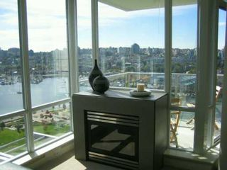 """Photo 13: 638 BEACH Crescent in Vancouver: False Creek North Condo for sale in """"ICON"""" (Vancouver West)  : MLS®# V618693"""