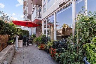"""Photo 3: 105 1618 QUEBEC Street in Vancouver: Mount Pleasant VE Condo for sale in """"Central"""" (Vancouver East)  : MLS®# R2617050"""