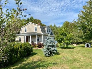 Photo 1: 1476 Alma Road in Loch Broom: 108-Rural Pictou County Residential for sale (Northern Region)  : MLS®# 202101111