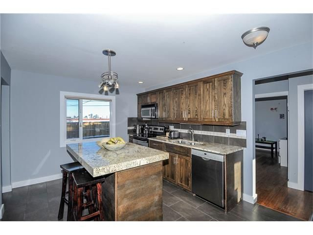 Photo 2: Photos: 1912 GLENWOOD Drive SW in Calgary: Glendale House for sale : MLS®# C4093243