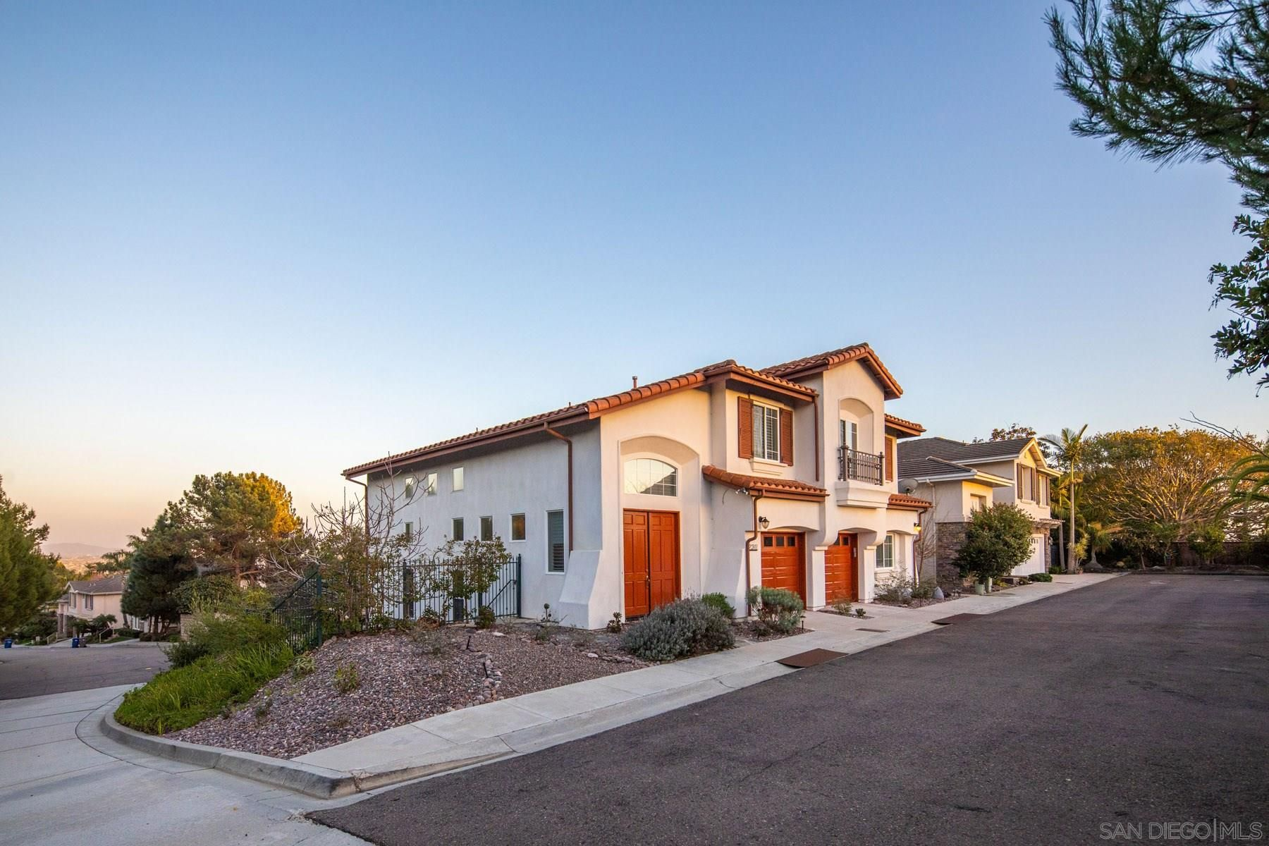Main Photo: LA JOLLA House for sale : 5 bedrooms : 2311 Darlington Row