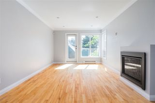 Photo 4: C 136 W 4TH Street in North Vancouver: Lower Lonsdale Townhouse for sale : MLS®# R2454273