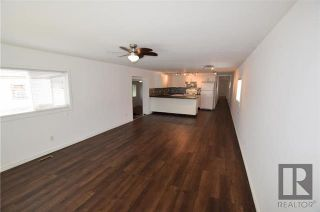 Photo 10: 8 CEDAR Crescent in St Clements: Pineridge Trailer Park Residential for sale (R02)  : MLS®# 1820053