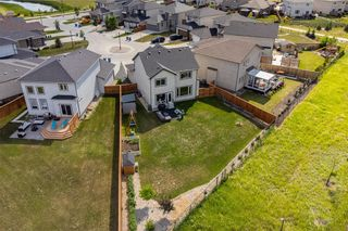 Photo 44: 36 Kelly Place in Winnipeg: House for sale : MLS®# 202116253