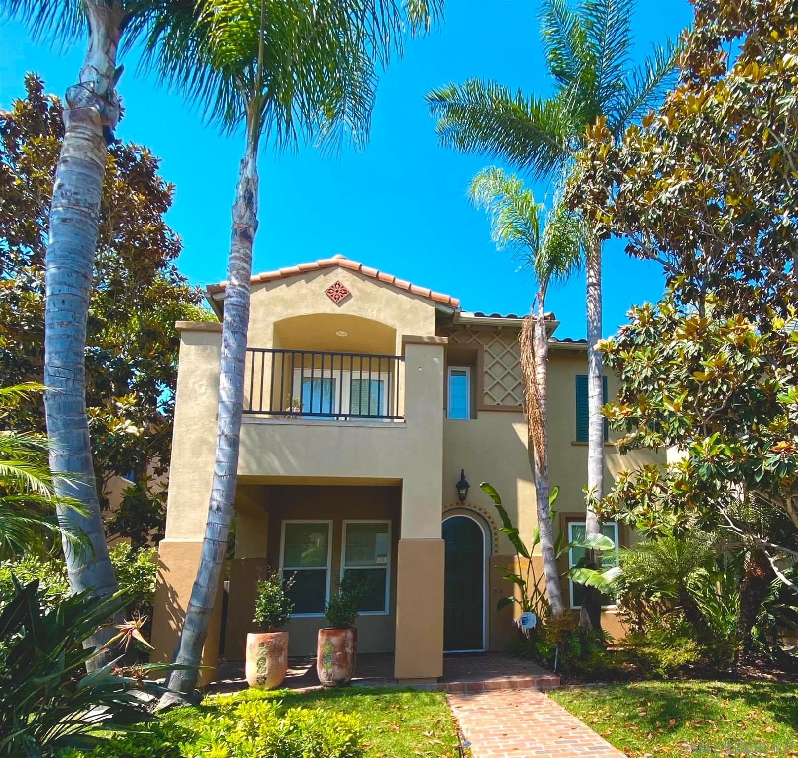 Main Photo: POINT LOMA House for sale : 3 bedrooms : 2939 W Bainbridge Rd in San Diego