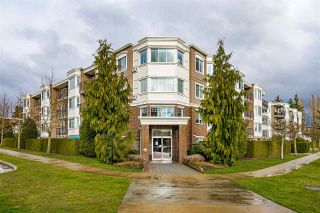 "Photo 1: PH5 15357 ROPER Avenue: White Rock Condo for sale in ""REGENCY COURT"" (South Surrey White Rock)  : MLS®# R2547054"