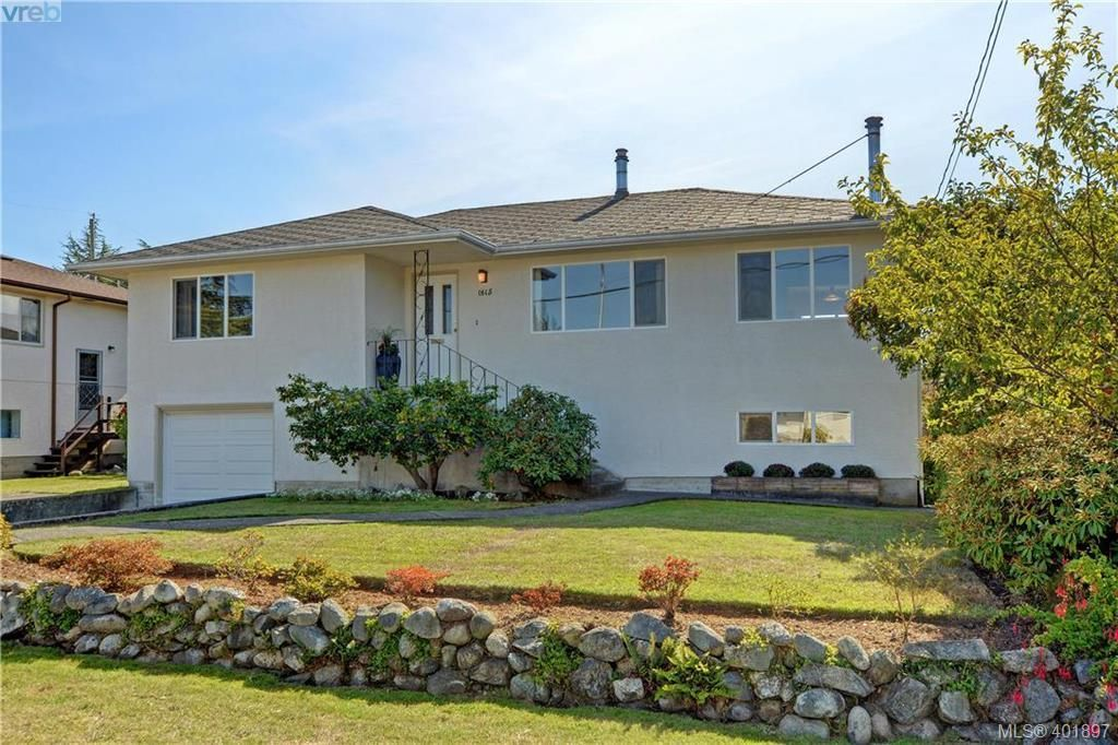 Main Photo: 1615 Sheridan Ave in VICTORIA: SE Mt Tolmie House for sale (Saanich East)  : MLS®# 802020