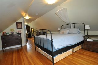 """Photo 10: 1607 E 14TH Avenue in Vancouver: Grandview VE House for sale in """"GRANDVIEW WOODLAND"""" (Vancouver East)  : MLS®# R2311671"""