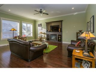 Photo 2: 7279 199 Street in Langley: Willoughby Heights House for sale : MLS®# R2032273