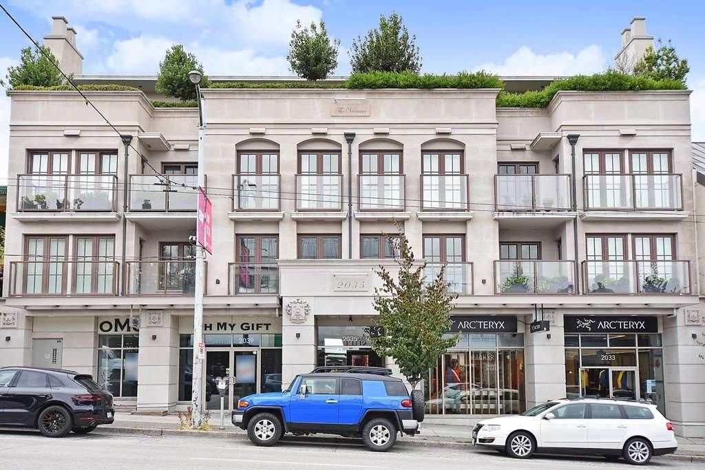 """Main Photo: 301 2035 W 4TH Avenue in Vancouver: Kitsilano Condo for sale in """"THE VERMEER"""" (Vancouver West)  : MLS®# R2493393"""
