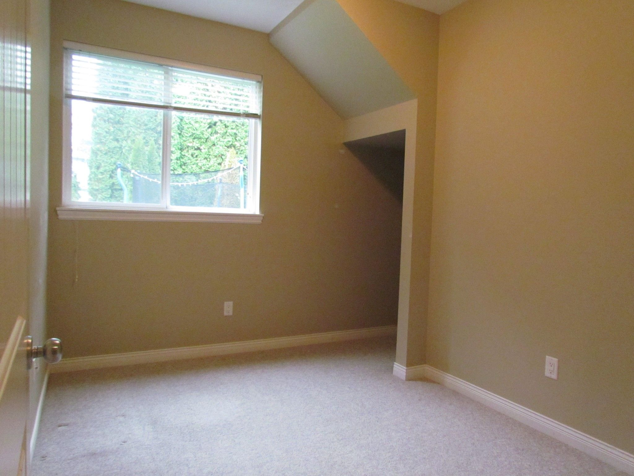 Photo 4: Photos: Suite 35158 Rockwell Dr. in Abbotsford: Abbotsford East Condo for rent