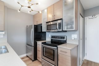 """Photo 12: 1409 977 MAINLAND Street in Vancouver: Yaletown Condo for sale in """"YALETOWN PARK 3"""" (Vancouver West)  : MLS®# R2595061"""