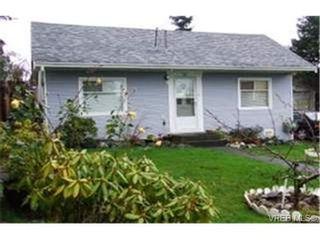Photo 1: 861 Fleming St in VICTORIA: Es Old Esquimalt House for sale (Esquimalt)  : MLS®# 451567