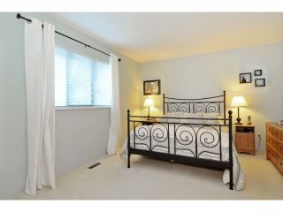 Photo 16: 2076 148 Street in Surrey: Sunnyside Park Surrey House for sale (South Surrey White Rock)  : MLS®# F1401383