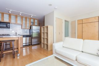 """Photo 6: 603 969 RICHARDS Street in Vancouver: Downtown VW Condo for sale in """"Mondrian"""" (Vancouver West)  : MLS®# R2074580"""
