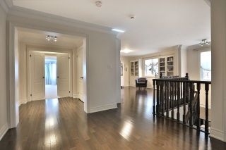 Photo 3: 2407 Taylorwood Drive in Oakville: Iroquois Ridge North House (2-Storey) for sale : MLS®# W3604780