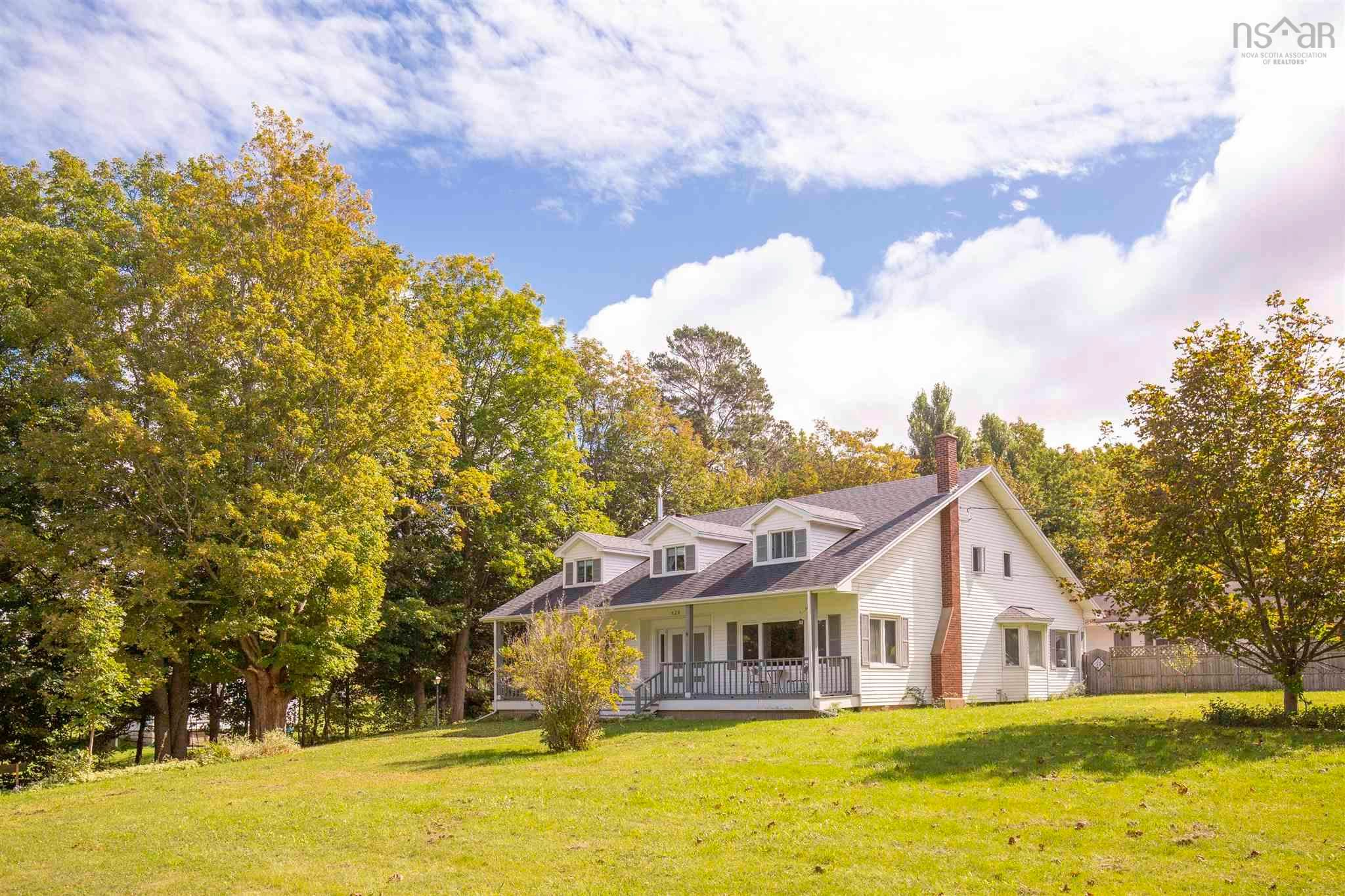 Main Photo: 428 HIGHWAY 1 in Deep Brook: 400-Annapolis County Multi-Family for sale (Annapolis Valley)  : MLS®# 202125513