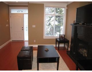 Photo 2: 8123 10TH Avenue in Burnaby: East Burnaby 1/2 Duplex for sale (Burnaby East)  : MLS®# V796032