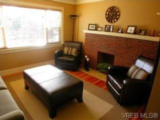 Photo 2: 1102 Vista Hts in VICTORIA: Vi Hillside House for sale (Victoria)  : MLS®# 517520