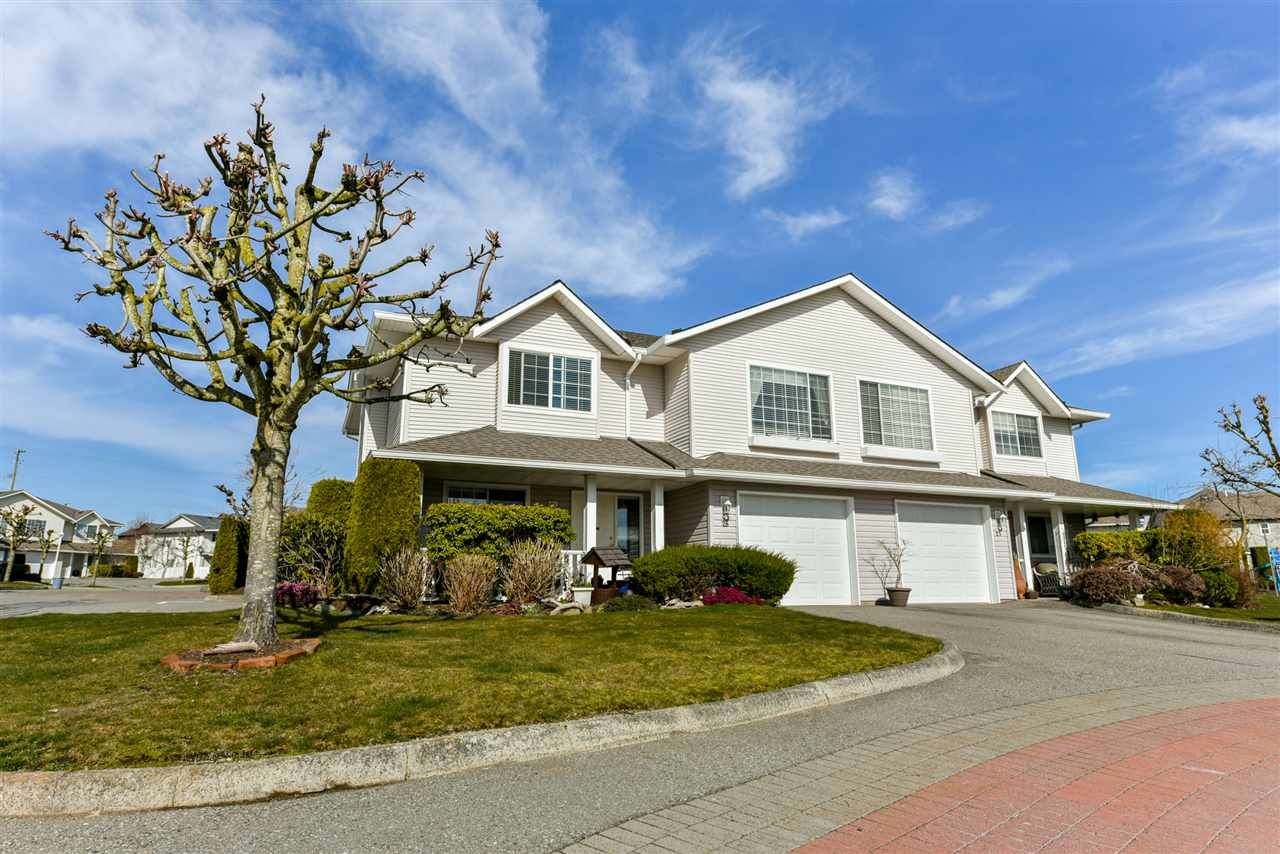"""Main Photo: 28 31255 UPPER MACLURE Road in Abbotsford: Abbotsford West Townhouse for sale in """"Country Lane"""" : MLS®# R2246805"""