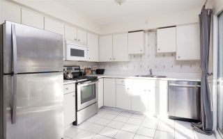 Photo 4: 247 W 23RD Street in North Vancouver: Central Lonsdale House for sale : MLS®# R2218663