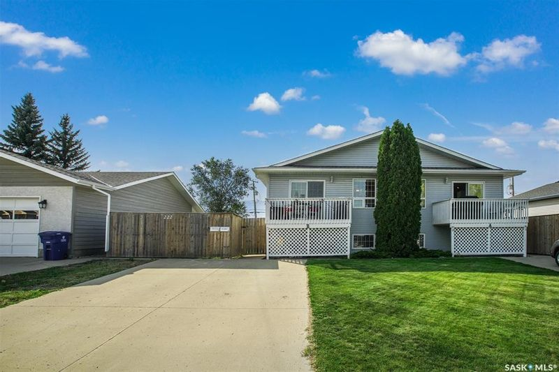 FEATURED LISTING: B - 222 1st Avenue South Martensville