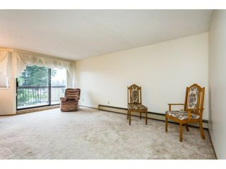 Photo 5: 305 31955 OLD YALE Road in Abbotsford: Abbotsford West Condo for sale : MLS®# R2311478