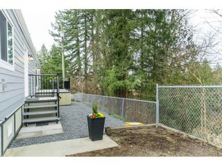 """Photo 6: 94 9950 WILSON Road in Mission: Stave Falls Manufactured Home for sale in """"Ruskin Park"""" : MLS®# R2480233"""