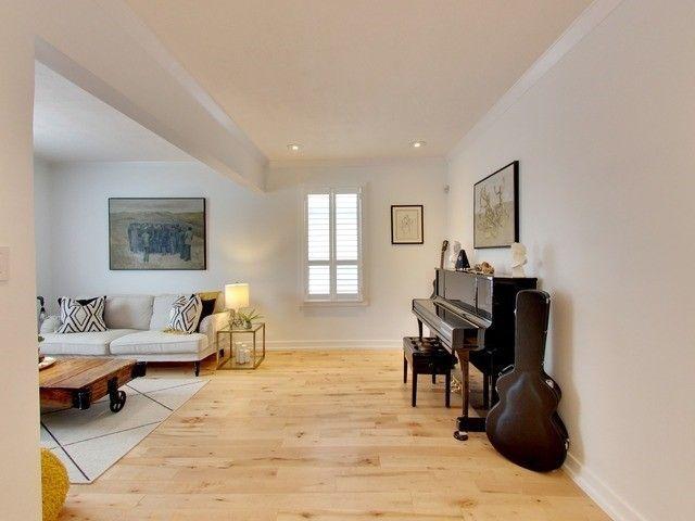 Photo 5: Photos: 131 Coleridge Avenue in Toronto: Woodbine-Lumsden House (Bungalow) for sale (Toronto E03)  : MLS®# E4120444