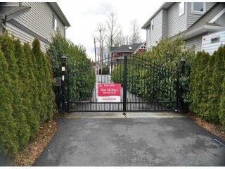 """Photo 3: 34814 1ST Avenue in Abbotsford: Poplar House for sale in """"Huntingdon"""" : MLS®# F1405409"""