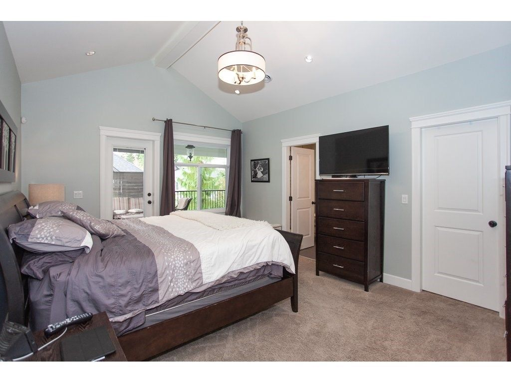 Photo 12: Photos: 1413 130 Street in Surrey: Crescent Bch Ocean Pk. House for sale (South Surrey White Rock)  : MLS®# R2311122