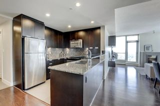 Photo 1: 2805 99 SPRUCE Place SW in Calgary: Spruce Cliff Apartment for sale : MLS®# A1020755